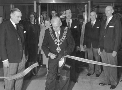 Mayor cutting ribbon at Rackhams opening, 1960.